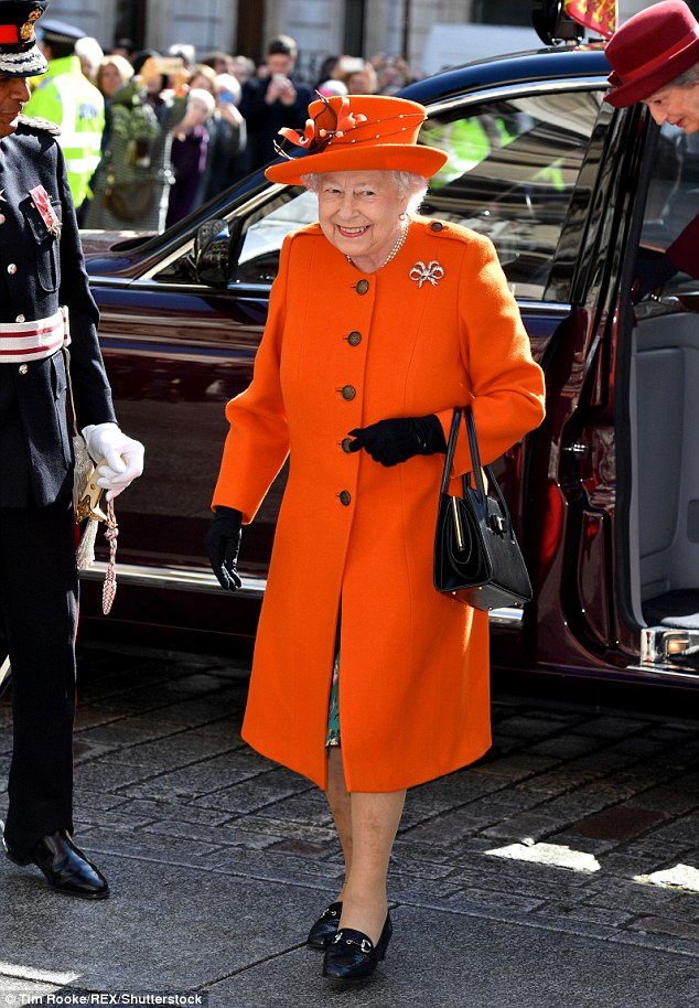 The Queen  visits the Royal Academy