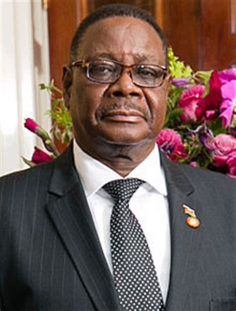 Mr Bruce Houlder welcomed The President of the Republic of Malawi on behalf of The Queen